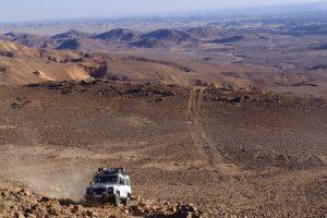 המעלה הגדול מעל ג'בל נצפה בדרך לראס אל נקב, מזרח ירדן, טיולים בירדן.
